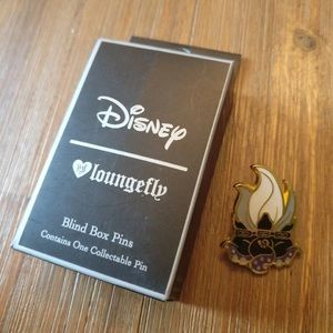 Disney loungefly Ursula cauldron pin